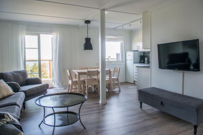 "Kök & vardagsrum, lägenheterna ""Kyllaj"""